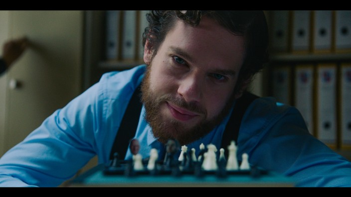 """Ein machtgieriger Kommunalpolitiker: Das ist Florentin Will in einer Parodie auf die US-Serie """"House of Cards""""."""