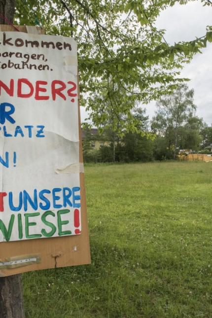 Neubibiberg, Pappelstraße, freies Grundstück soll mit Sozialwohnungen bebaut werden