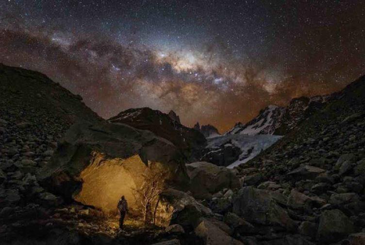 Wanderer in Patagonia © Yuri Zvezdny