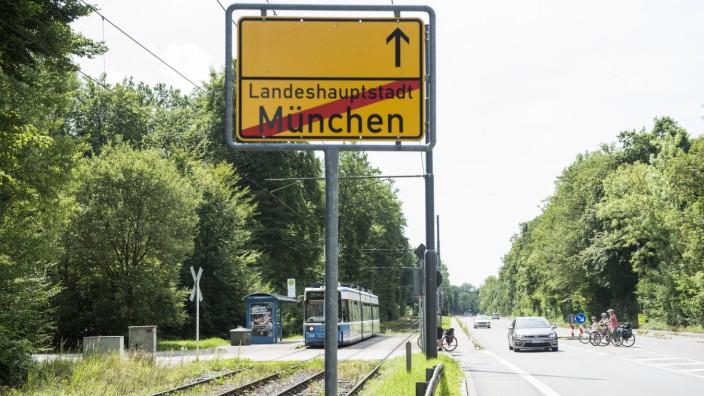 Ortsausgangsschild der Landeshauptstadt München, 2017