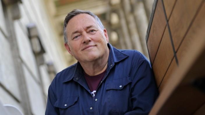 Thomas Meinecke: Thomas Meinecke, geboren 1955 in Hamburg, lebt in Bayern.
