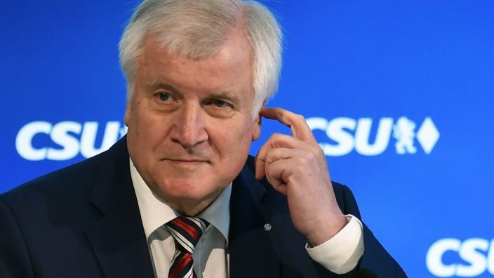 Liveblog zur Bundestagswahl: Horst Seehofers CSU muss eine schwere Wahlschlappe verkraften.