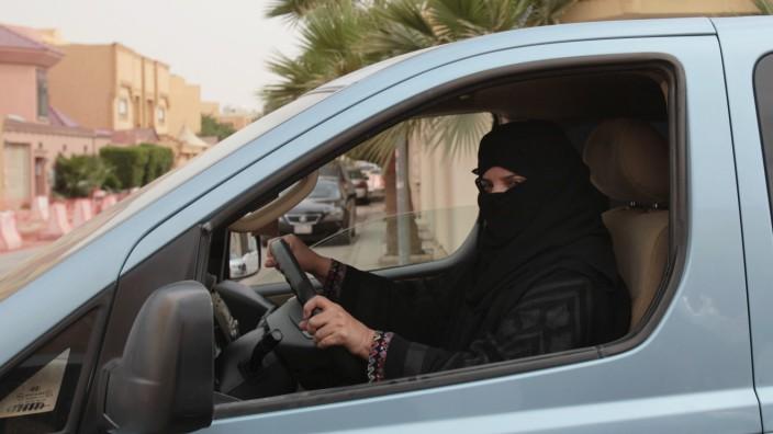 Saudi-Arabien will Frauen das Autofahren erlauben