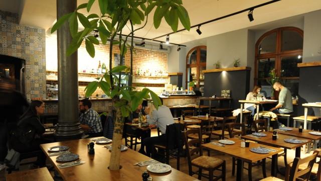 Gollierplatz: Im Eatapas werden die spanischen Häppchen individuell und in großer Vielfalt zubereitet