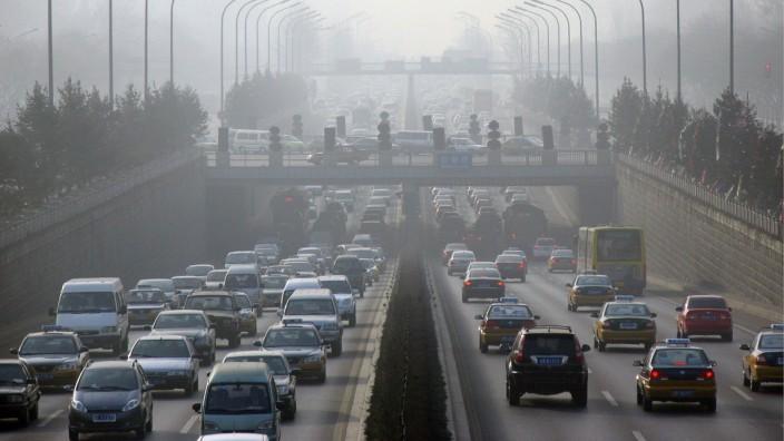 Smog in den Straßen von Peking