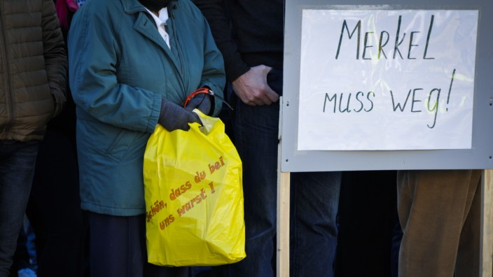 Russlanddeutsche demonstrieren in Traunreut gegen Flüchtlingspolitk der Bundesregireung, 2016