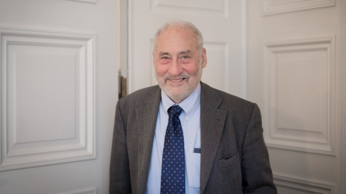 Joseph E. Stiglitz during an interview for Süddeutsche Zeitung.