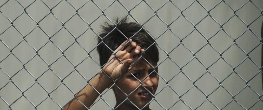 Flüchtlingsjunge im Diavata Camp in Griechenland