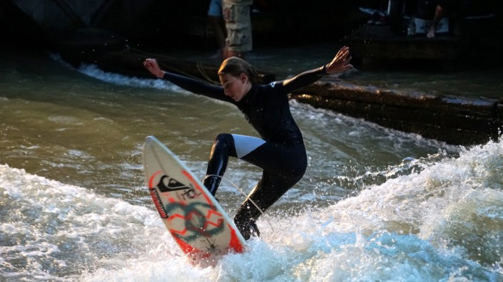 Freizeit: Der Eisbach-Surfspot ist berühmt, bald könnten weitere dazukommen.