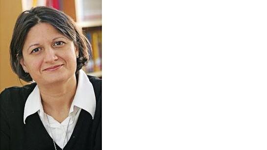 """Expertengespräch: Mariam Irene Tazi-Preve, 56, aus Österreich ist Politikwissenschaftlerin an der University of New Orleans. Ihr Buch """"Vom Versagen der Kleinfamilie: Kapitalismus, Liebe und der Staat"""" rechnet mit traditionellen Strukturen ab."""