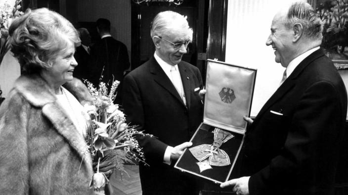 Richard Langeheine erhält das Bundesverdienstkreuz