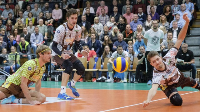 Annahme Tom STROHBACH 10 HER Volleyball TSV Herrsching HER Hypo Tirol Alpenvolleys Unterha