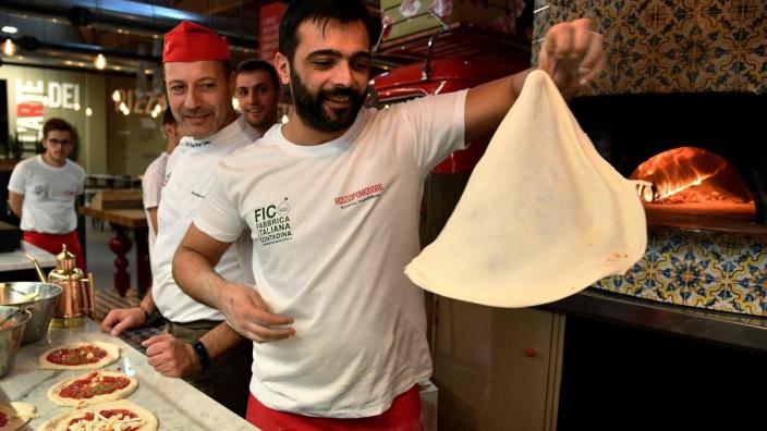 Pizzabäcker Eataly World Bologna Italien