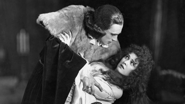 """Conrad Veidt und Liane Haid in """"Lucrezia Borgia"""", 1922"""
