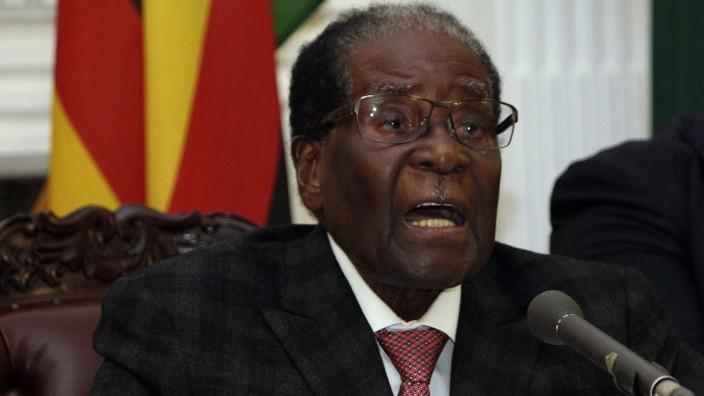 Simbabwe: Wollte bei einer TV-Rede nicht von Rücktritt sprechen: Simbabwes Präsident Robert Mugabe