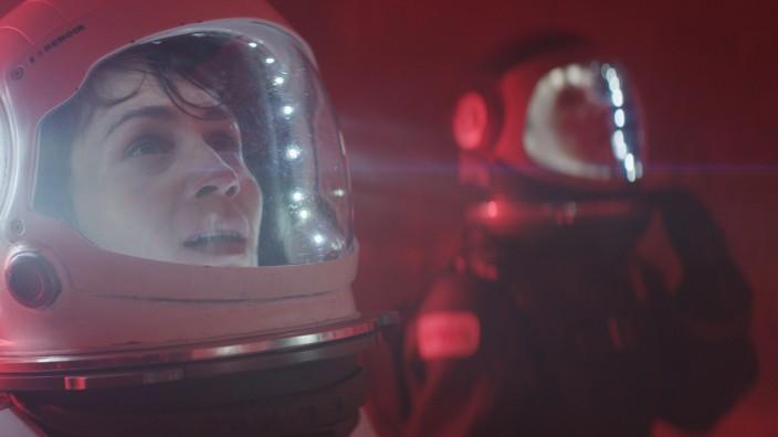 """Neuer Streamingdienst: """"Kommt nicht her, um uns zu retten. Es ist zu gefährlich"""": Die Serie Missions über eine Reise zum Mars gehört zum Angebot von Shudder."""