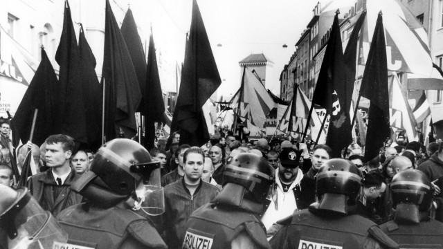 Demonstration gegen Wehrmachtsausstellung in München, 1997