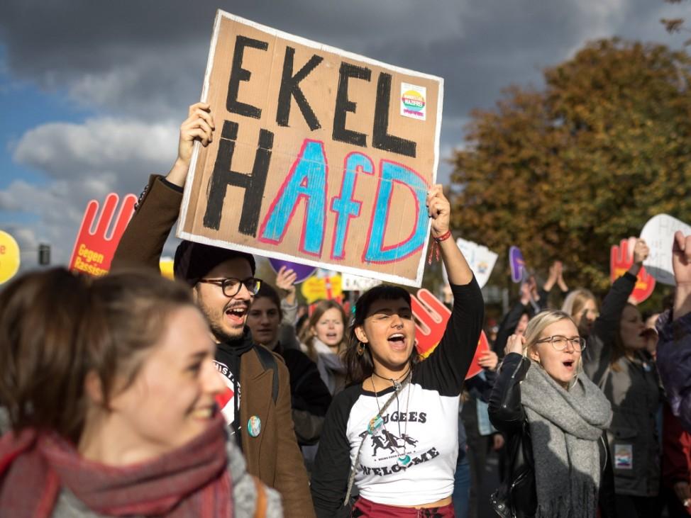 Grossdemo gegen AfD Grossdemo gegen Hass und Rassismus im Bundestag Zwei Tage vor der konstituiere