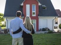 Maklerprovision: Immobilien: Wird es für Käufer günstiger?