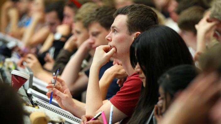 SA Hochschulrektoren zu Gebühren für Nicht-EU-Studenten