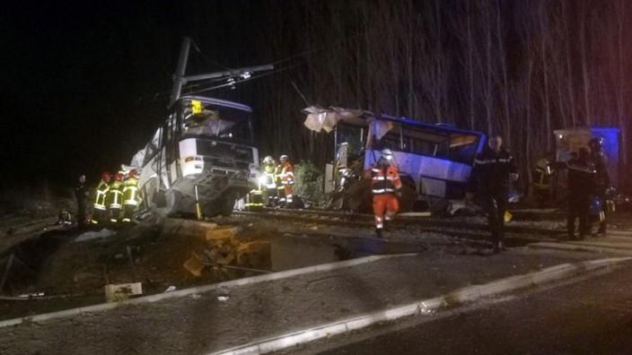 Schulbus-Unfall in Frankreich