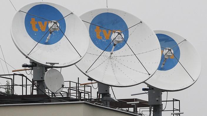 Medien in Polen: Satellitenschüsseln auf der Zentrale von TVN24 in Warschau: Der Sender hat in der Publikumsgunst die Konkurrenz längst überholt.