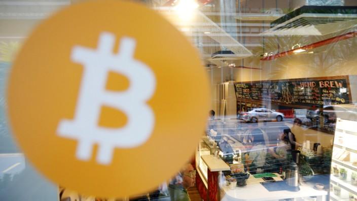 Bitcoin und Blockchain begeistern Unternehmen.