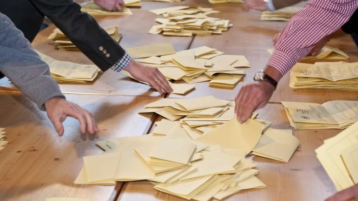 Demokratie: Das Verlangen nach Teilhabe ist in dem Maße gewachsen, in dem das Ansehen der Politiker verfallen ist.