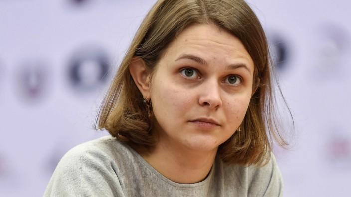161229 DOHA Dec 28 2016 Anna Muzychuk of Ukraine plays against Ju Wenjun of China during