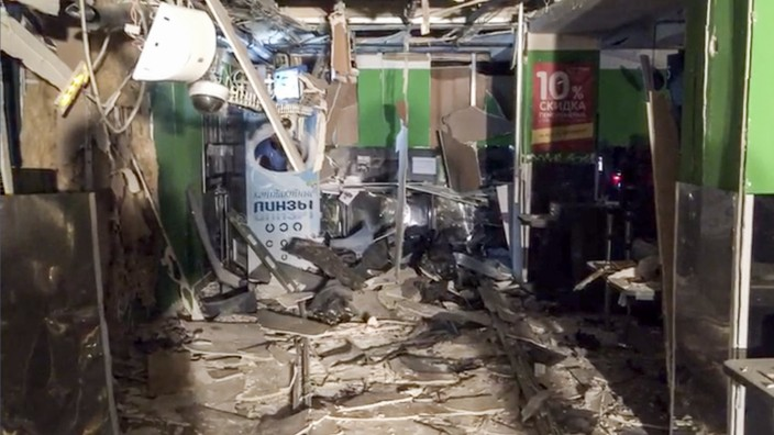 Nach Explosion in Supermarkt in Russland
