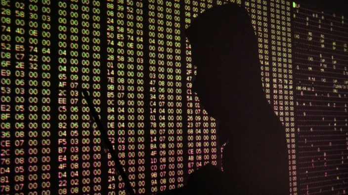 Internet Kriminalität Symbolbilder Hacker ST PETERSBURG RUSSIA FEBRUARY 6 2017 A silhouette of