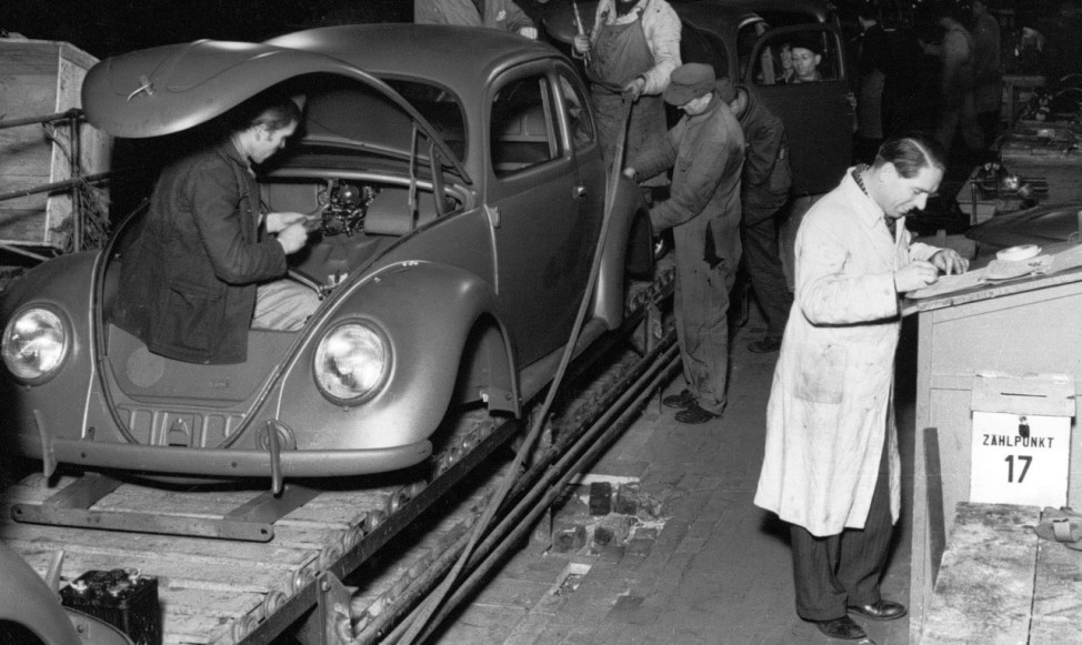 Serienstart einer Ikone: Der erste VW Käfer rollte vor 70 Jahren im Werk Wolfsburg vom Band