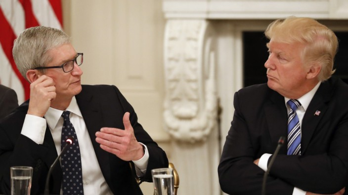 Donald Trump und Tim Cook