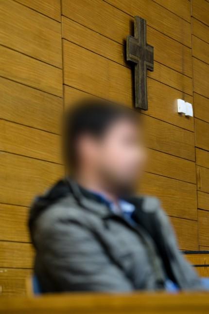 Muslim ersticht konvertierte Frau - Mordprozess