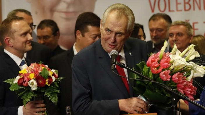 Tschechiens Miloš Zeman: Zeman bei seiner Siegesrede.
