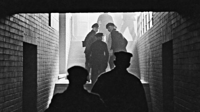 Kumpels beim Schichtwechsel, 1939