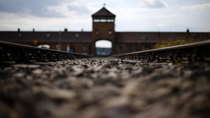 Prantls Blick: Ohne den Generalstaatsanwalt Fritz Bauer hätte es den großen Frankfurter Auschwitz-Prozess nicht gegeben.