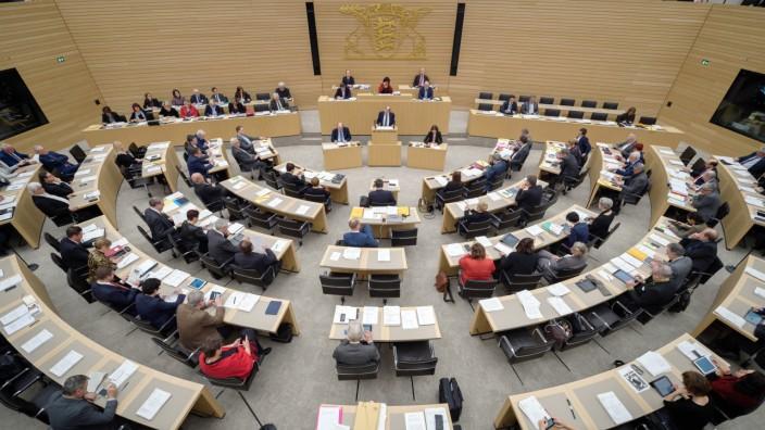 Im Stuttgarter Landtag sitzen nur 17 AfD-Abgeordnete. Ihr Kandidat aber bekam nun 37 Ja-Stimmen.