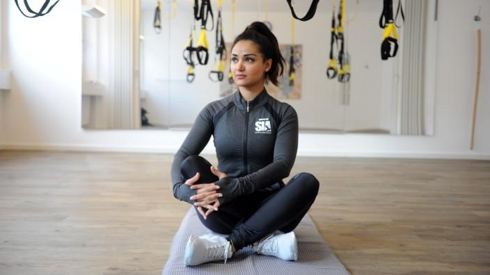 Vom Flüchtlingskind zum Fitnesscoach: Schugufa Issar Amerchel träumt von einem Studio in München mit afghanischem Design - und einem Studio in Kabul, in dem afghanische Frauen trainieren können.