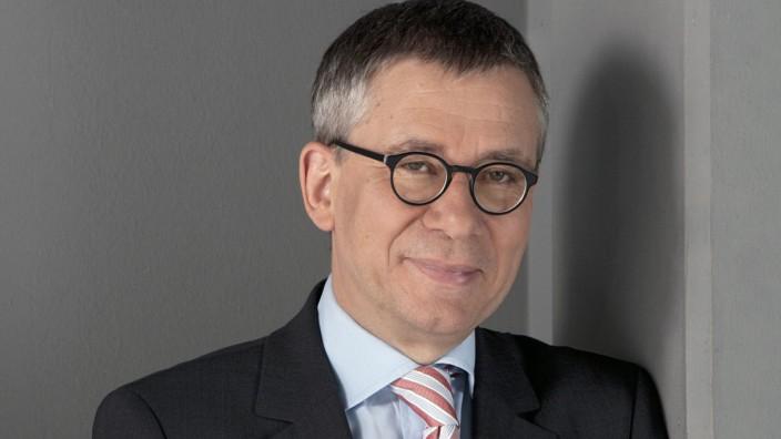 Prof. Gebhard Henke