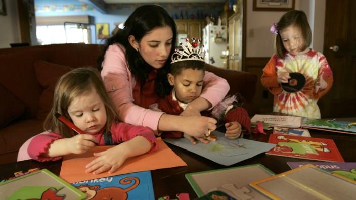 AP A KS USA Spanish Child Care
