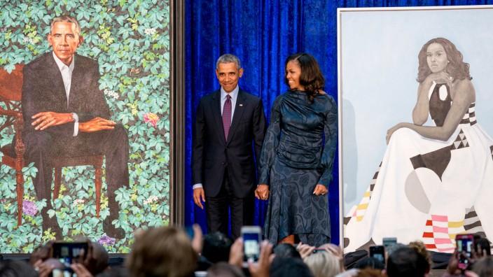 National Portrait Gallery enthüllt Porträts von den Obamas