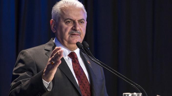 """Türkischer Regierungschef: """"Ich hoffe, dass er in kurzer Zeit freigelassen wird"""", sagt der türkische Regierungschef Binali Yıldırım über Deniz Yücel."""