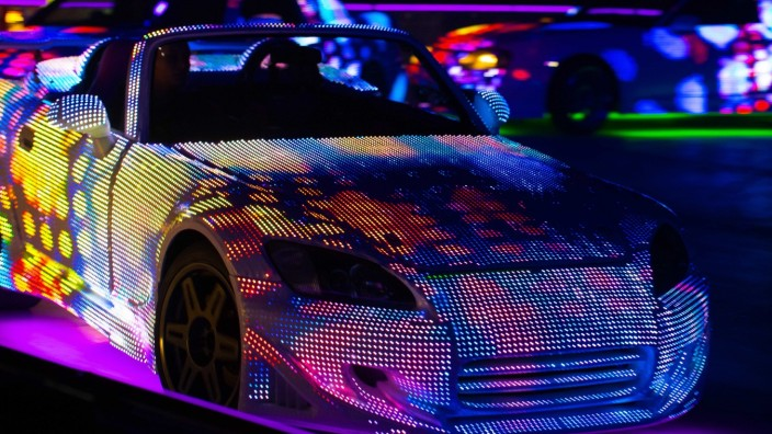 Show: Im Mittelpunkt: Autos.