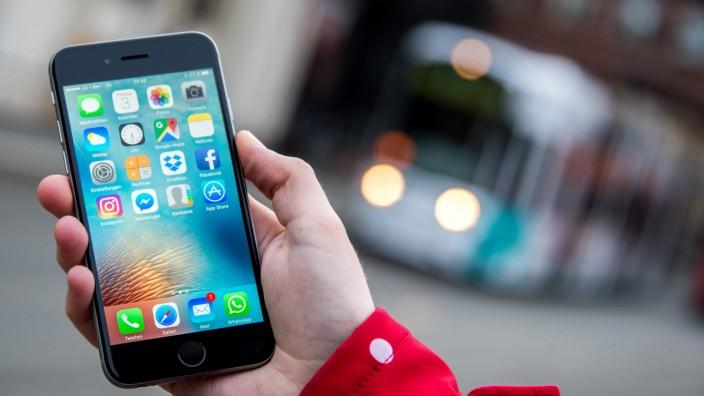 Teens mit weniger Smartphone-Zeit sind glücklicher