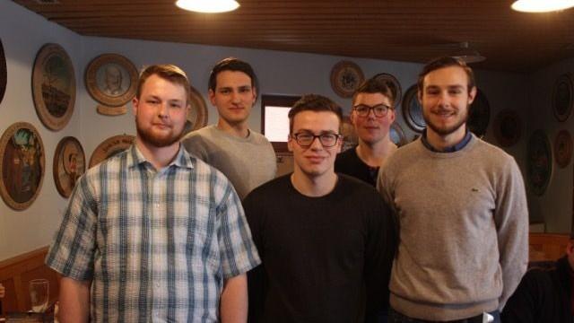 Viele Neueintritte: Der neue Kreisverband der Jungen Liberalen: Dominik Hadnadj, Alexander Hartl, Moritz Geyer, David Engelke und Daniel Grabinger (von links).