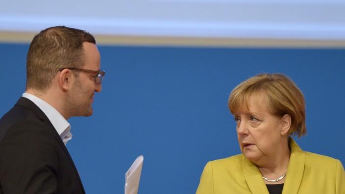 Neues Kabinett: Jens Spahn ist Merkels Kritiker - und wohl ihr neuer Gesundheitsminister.