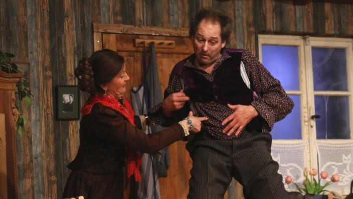 Dorfbühne gibt den 'Deifi Sparifankerl'