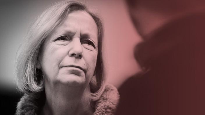 Bundesbildungsministerin Johanna Wanka CDU kommt zu einer Sondersitzung der CDU CSU Bundestagsfrak