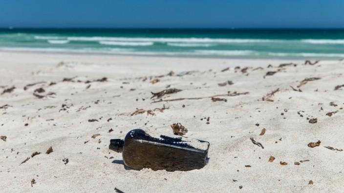 """Flaschenpost von dem Forschungsschiff ´Paula"""" in Australien"""